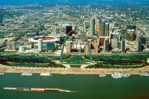 St_Louis_Missouri_skyline_over_arch
